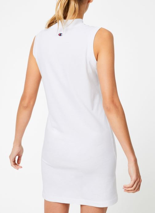 Vêtements Champion Champion Sleeveless Dress with Oversized Vertical Script Logo Blanc vue portées chaussures
